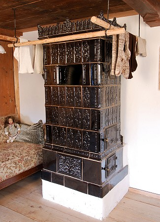 kachelofen alt klimaanlage zu hause. Black Bedroom Furniture Sets. Home Design Ideas